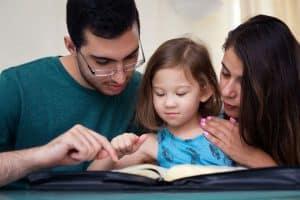 الأبوة والأمومة مسؤولية الأبوة والأمومة