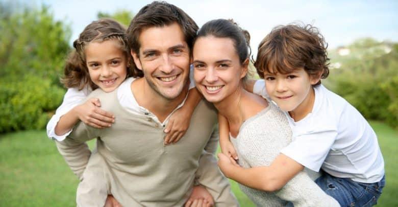 Photo of الأبوة والأمومة : شعور بالسعادة أم بالضغط والإرهاق المستمر؟