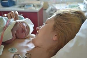 الطلق الصناعي كيف يتم استخدام الطلق الصناعي في الولادة؟
