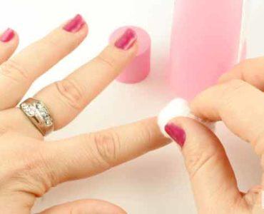 إزالة طلاء الأظافر دون استخدام الأسيتون