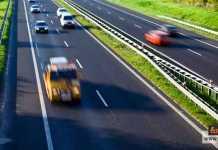 القيادة بأمان على الطرق السريعة