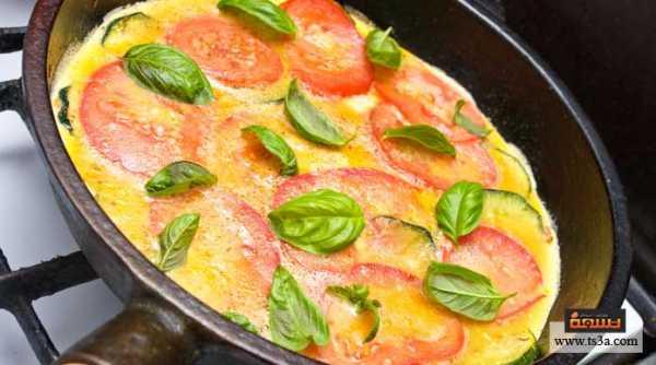 إعداد البيض مع حلقات الطماطم