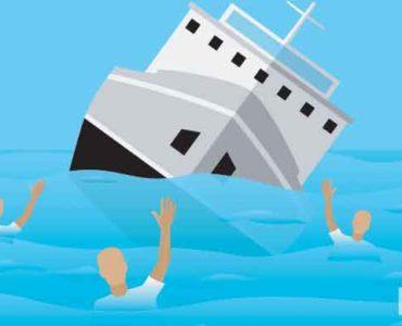 النجاة من حادث غرق سفينة