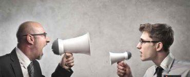 كيف تناقش شخص ما في أفكاره المتطرفة
