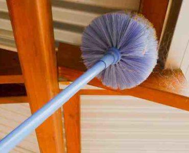 تنظيف سقف المنزل