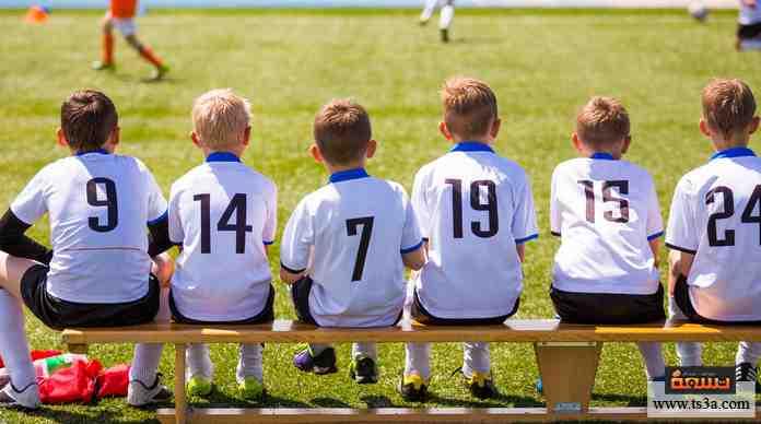 عندما كنت تعلب كرة القدم وأنت صغير، ما هي الأدوار التي كنت تحب تأديتها في اللعبة؟