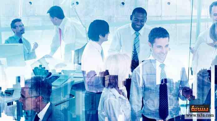 يخبرك مديرك في العمل أنك سوف تكون مسؤولاً عن نتائج المشروع الذي تعمل عليه أنت وزملائك أمامه.