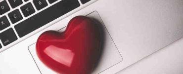 الحب الإلكتروني