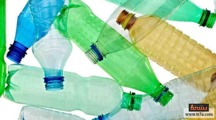 زجاجات المياه الفارغة