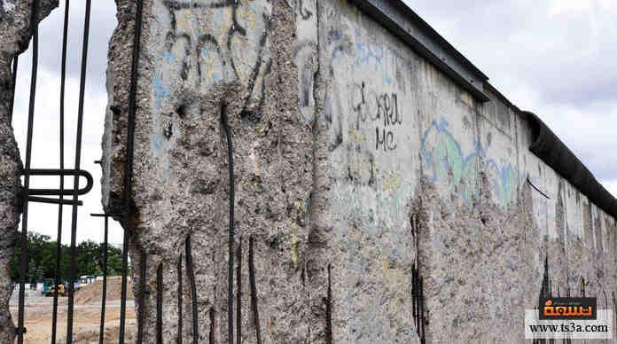 عبور حائط برلين