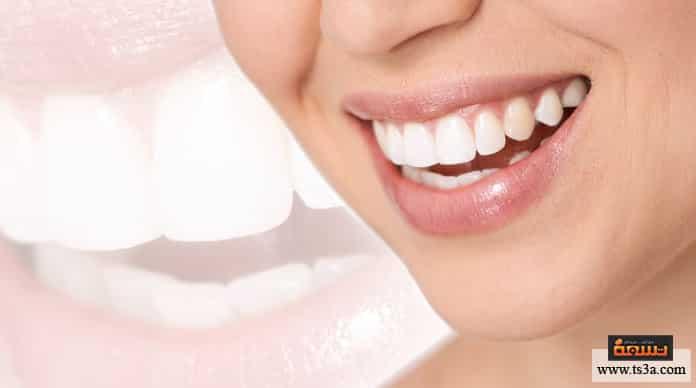 الجير المترسب الخل الأبيض لإزالة الجير المترسب على الأسنان