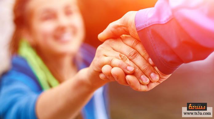 خدمة الناس اتخاذ المبادرة في خدمة الناس هي سمة القائد الحقيقي