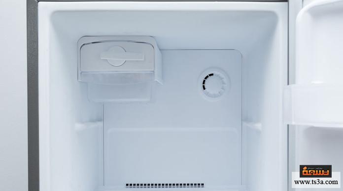 سلامة الثلاجة أثناء السفر تنظيف الثلاجة من أي طعام