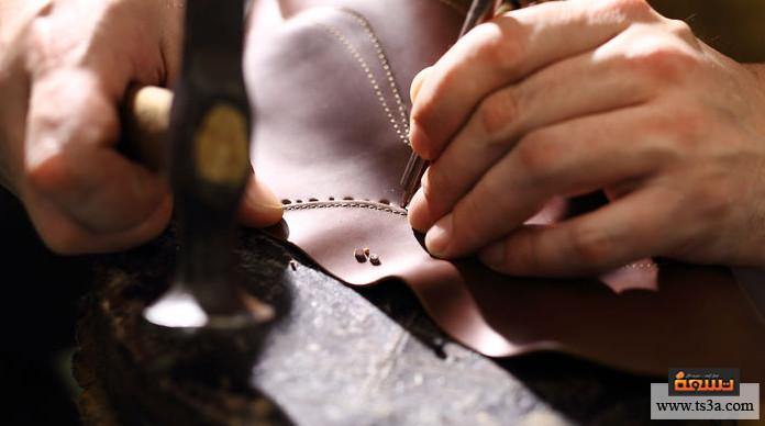 منتجات الجلد الطبيعي الخطوات النهائية في صناعة منتجات الجلد الطبيعي