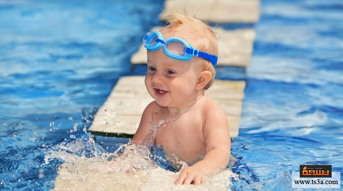 تعليم الرضع السباحة تعليم الرضع السباحة فطرة