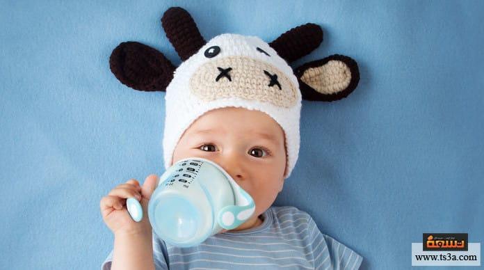 القشط عند الرضع هل هناك فرق بين القشط والتقيؤ؟
