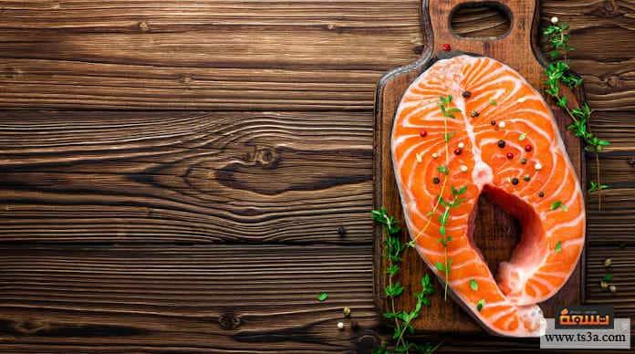 أطعمة الكلاب سمك السلمون