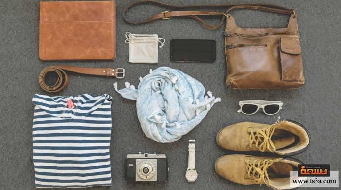 حزم حقيبة السفر استخدام مكعبات التعبئة أو منظمات الأمتعة