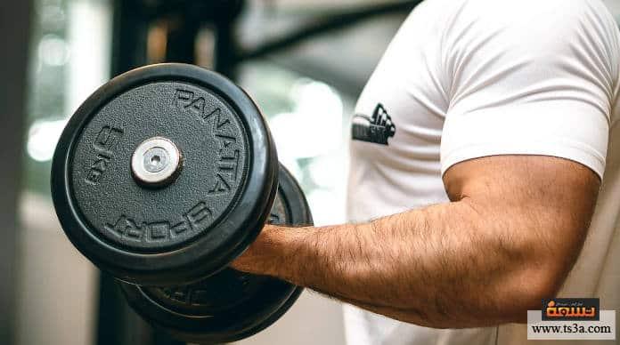 تمرين عضلة الساعد لإنماء أذرع ضخمة