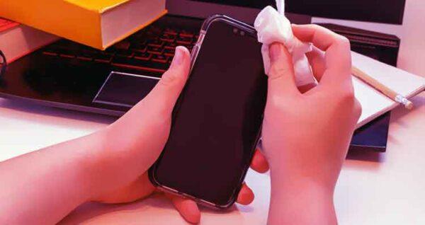 تنظيف الأجهزة الإلكترونية تنظيف الهاتف