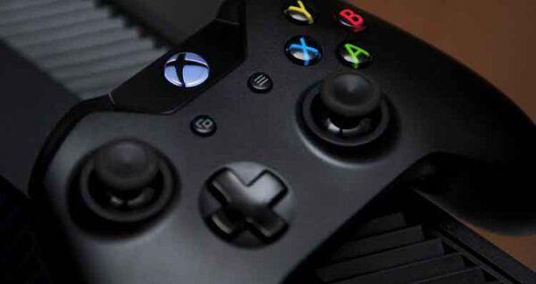 تنظيف وحدات تحكم ألعاب الفيديو وأجهزة التحكم